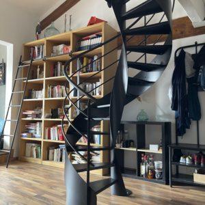 Escalier hélicoïdal acier noir mat